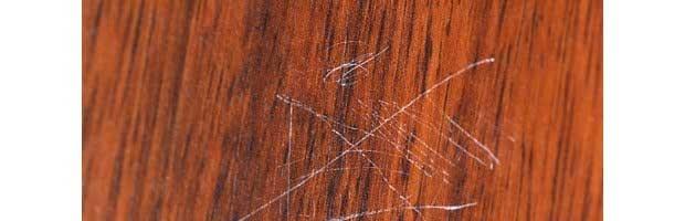 Atténuer des rayures sur du bois