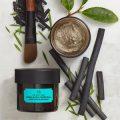 Testez gratuitement le masque purifiant éclat au charbon de bois de l'Himalaya The Body Shop